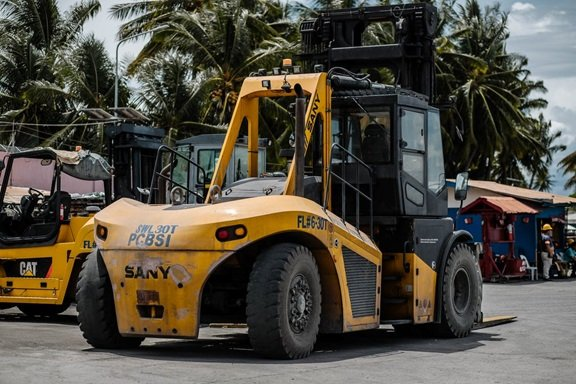 Top Reasons Why Getting Forklift Certification is an Ideal Career Move